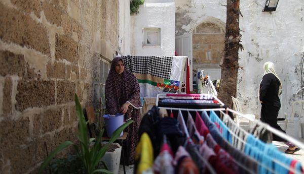 75penduduk_palestina_sembunyi_di_gereja.jpg